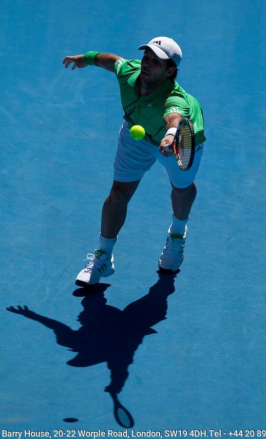 Fernando Verdasco (ESP) (9) against Nikolay Davydenko (RUS) (6) in the Fourth Round of the Mens Singles, Davydenko beat Verdasco 6-2 7-5 4-6 6-7 6-3..International Tennis - Australian Open Tennis - Monday 25 Jan 2010 - Melbourne Park - Melbourne - Australia ..© Frey - AMN Images, 1st Floor, Barry House, 20-22 Worple Road, London, SW19 4DH.Tel - +44 20 8947 0100.mfrey@advantagemedianet.com