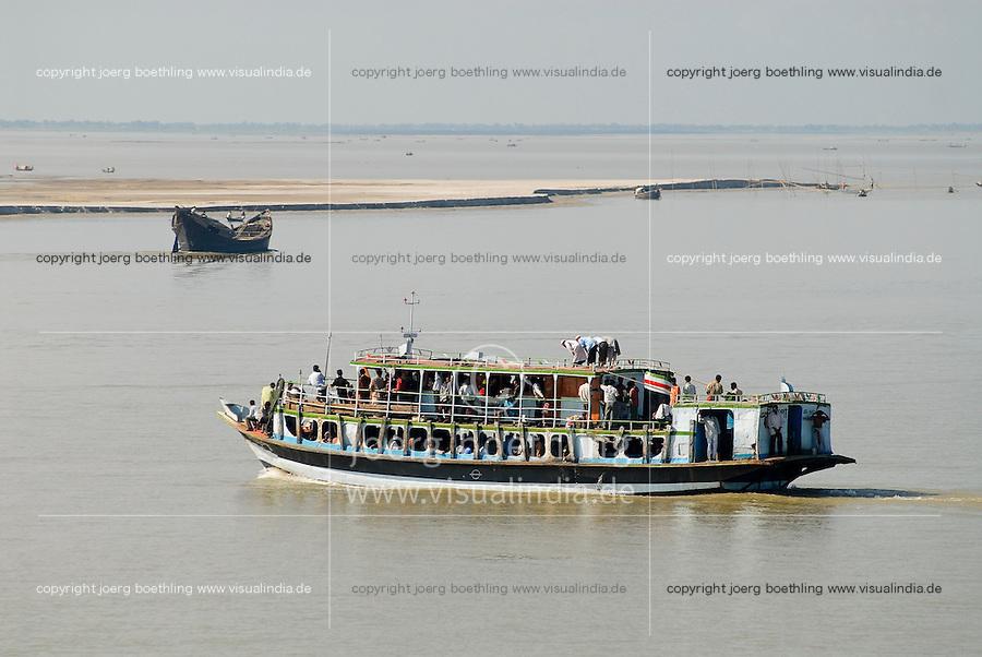 "Asien Suedasien Bangladesh , Boot mit betendden Mulimen auf dem Fluss Ganges , heisst in Bangladesh Padma  -  Transport xagndaz | .South asia Bangladesh , boat with praying muslim at river Padma .| [ copyright (c) Joerg Boethling / agenda , Veroeffentlichung nur gegen Honorar und Belegexemplar an / publication only with royalties and copy to:  agenda PG   Rothestr. 66   Germany D-22765 Hamburg   ph. ++49 40 391 907 14   e-mail: boethling@agenda-fototext.de   www.agenda-fototext.de   Bank: Hamburger Sparkasse  BLZ 200 505 50  Kto. 1281 120 178   IBAN: DE96 2005 0550 1281 1201 78   BIC: ""HASPDEHH"" ,  WEITERE MOTIVE ZU DIESEM THEMA SIND VORHANDEN!! MORE PICTURES ON THIS SUBJECT AVAILABLE!!  ] [#0,26,121#]"