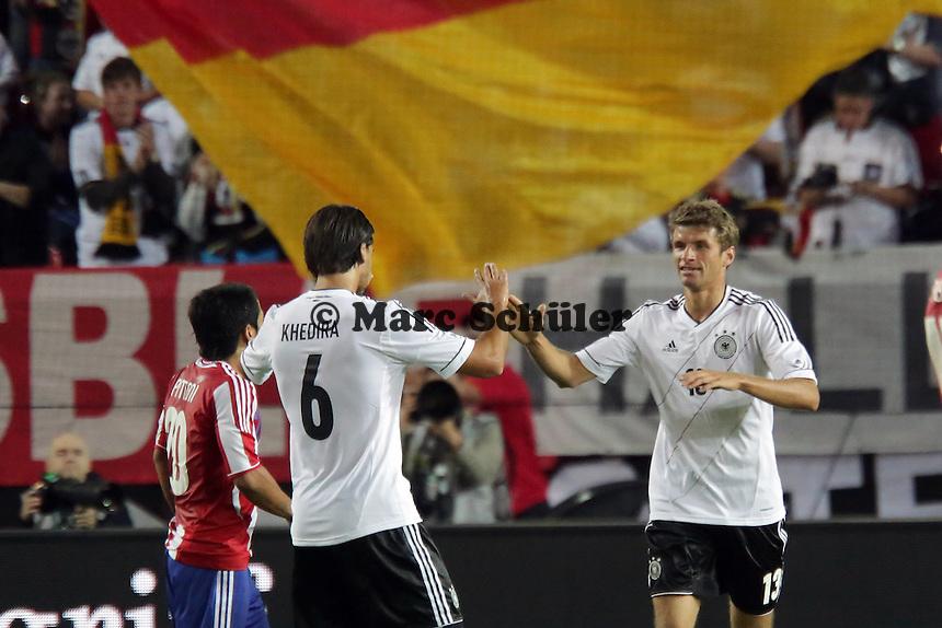 Thomas Mueller (D) erzielt das 2:2 und jubelt- Deutschland vs. Paraguay, Fritz-Walter-Stadion Kaiserslautern