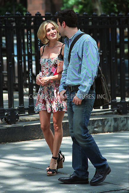 "Sarah Jessica Parker and Ron Livingston from ""Band of Brothers"" filming HBO's superhit series, ""Sex and the City"" in Rutherford Park in New York, June 10, 2002. Please byline: Alecsey Boldeskul/NY Photo Press.   ..*PAY-PER-USE*      ....NY Photo Press:  ..phone (646) 267-6913;   ..e-mail: info@nyphotopress.com"