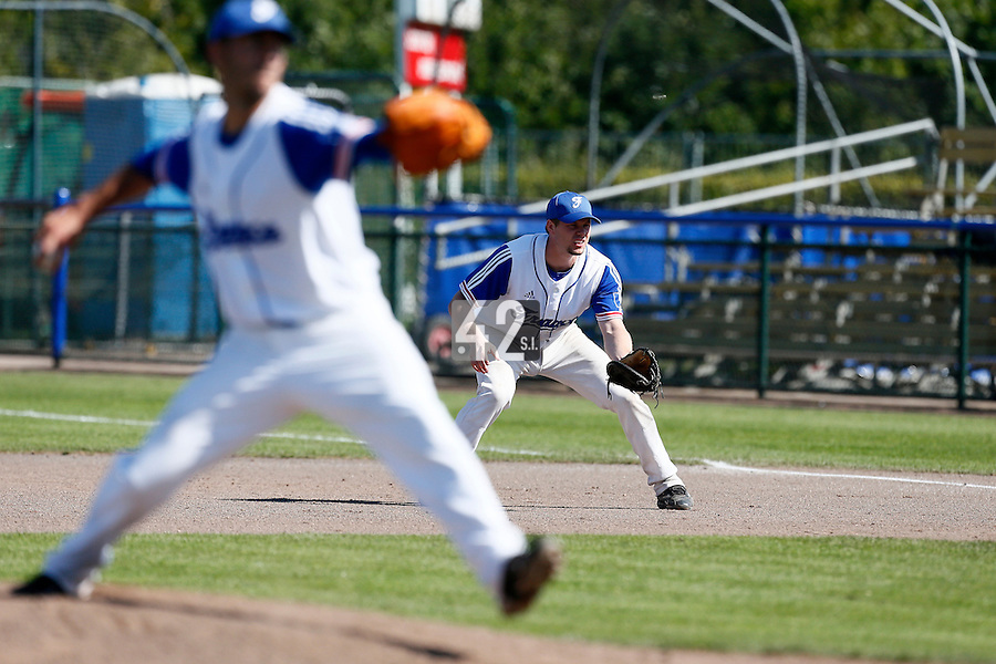 09 September 2012: France first base Anthony Cros is seen on defense during France 9-8 win in over Belgium, at the 2012 European Championship, in Utrecht, Netherlands.
