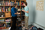 Teenage boy, age 15, xonflict with mother over condition of messy bedroom