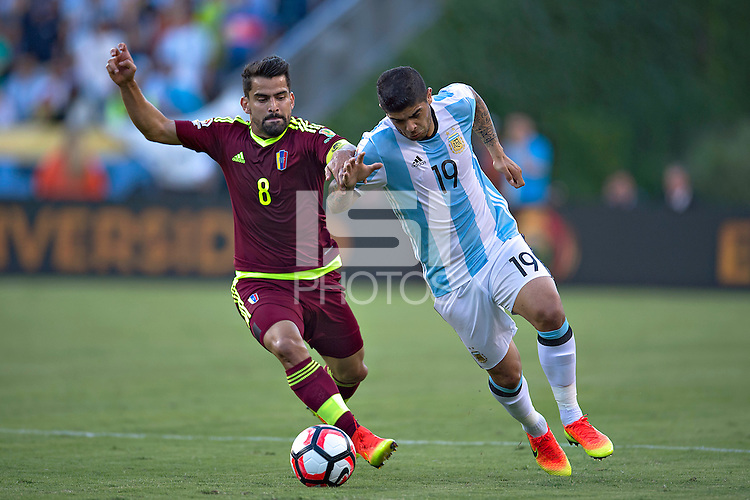 Action photo during the match Argentina vs Venezuela at Gillette Stadium Copa America Centenario 2016. ---Foto de accion durante el partido Argentina vs Venezuela, En el Estadio Gillette. Partido Correspondiante a los Cuartos de Final de la Copa America Centenario USA 2016, en la foto: (I)-(D) Tomas Rincon, Ever Banega<br /> --- - 18/06/2016/MEXSPORT/Javier Ramirez.