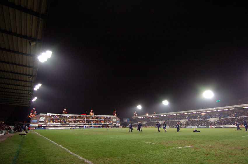 Photo: James Davies..Cardiff Blues v Ospreys. Magners Celtic League. 23/12/2006..Cardiff Arms Park, Home to the Cardiff Blues.