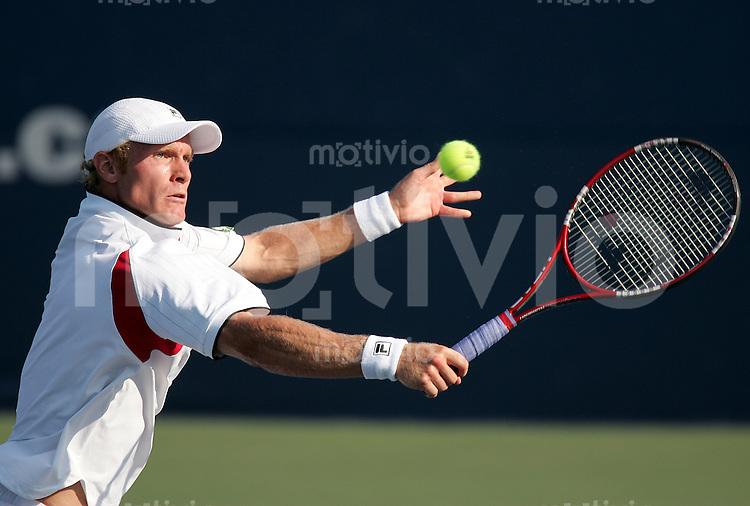 Tennis Masters Series Toronto Rogers Cup 2006 Dimitri TURSUNOV (RUS) Rueckhand, backhand.