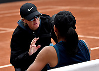 BOGOTÁ-COLOMBIA, 13-04-2019: Astra Sharma (AUS), recibe instrucciones de su técnico, durante partido por la semifinal del Claro Colsanitas WTA, que se realiza en el Carmel Club en la ciudad de Bogotá. / Astra Sharma (AUS), receives instructions of her coach, during a match for the semifinal of the WTA Claro Colsanitas, which takes place at Carmel Club in Bogota city. / Photo: VizzorImage / Luis Ramírez / Staff.