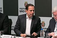 SAO PAULO, SP - 13.07.2017 - JO&Atilde;O-DORIA-SP - O Prefeito Jo&atilde;o D&oacute;ria cede coletiva referente a compensa&ccedil;&atilde;o ambiental do Jardim Keralux na tarde desta quinta-feira (13) na Prefeitura, centro da capital.<br /> <br /> (Fabricio Bomjardim / Brazil Photo Press)