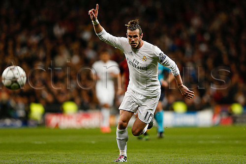 08.03.2016 Estadio Santiago Bernabeu, Madrid, Spain. UEFA Champions League Real Madrid CF versus AS Roma.  Gareth Bale (11) Real Madrid chases down the loose ball.