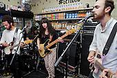 Sep 29, 2013: YUCK - Converse Get Loud in Paris France