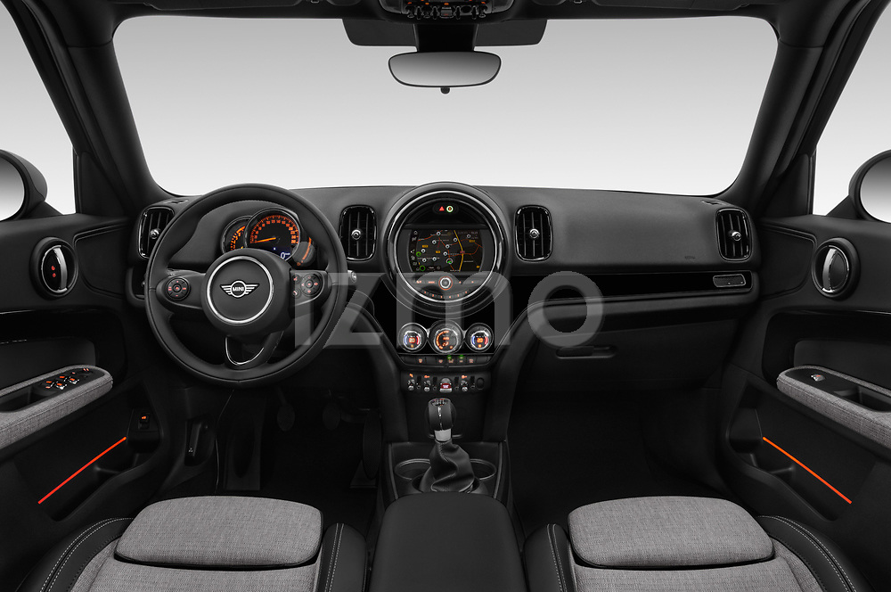 Stock photo of straight dashboard view of a 2018 Mini Countryman Oakwood 5 Door Hatchback