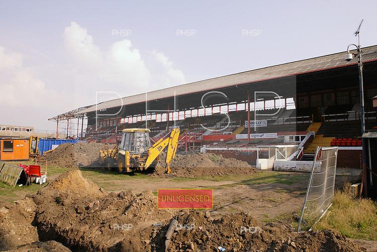 16/08/2003 Blackpool v Wycombe..pic  © Phill Heywood.tel 07806 775649