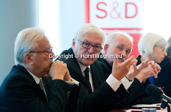 Brussels - Belgium, June 05, 2012 -- MdB Frank-Walter STEINMEIER (ce), chairman of the SPD's parliamentary group in the Bundestag (German Parliament), for political talks in Brussels; here, with MEP Hannes SWOBODA (le), chairman of the S&D group (Group of the Progressive Alliance of Socialists & Democrats in the European Parliament), and MEP Udo BULLMANN (ri), chairman of the SPD's group in the EP -- Photo: © HorstWagner.eu