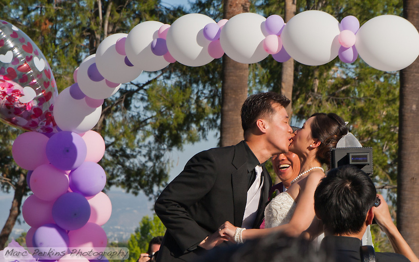 Okay, this is actualy the end of Eucen and Jia's first kiss.  I love the expressions :)