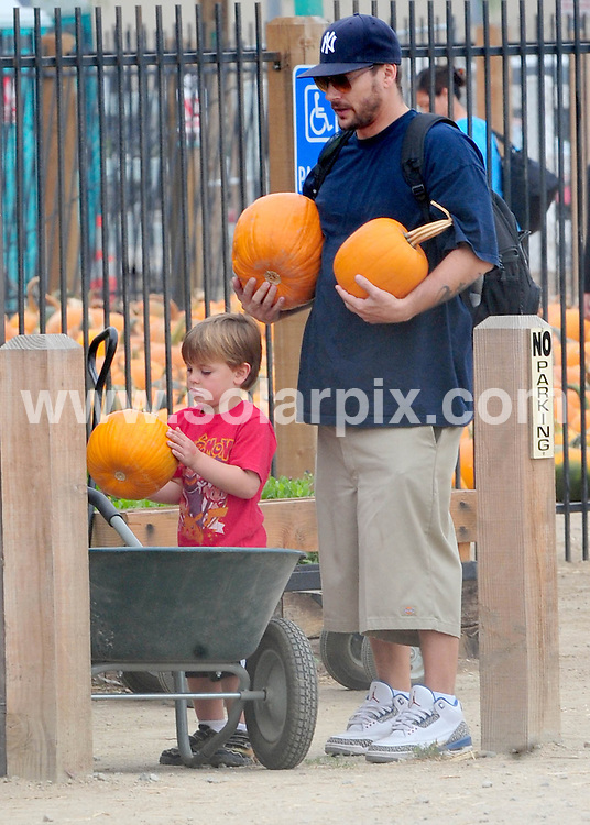 **ALL ROUND PICTURES FROM SOLARPIX.COM**                                             **SYNDICATION RIGHTS FOR UK AND SPAIN ONLY**                                                                                  Caption:    Kevin Federline takes Jayden James and Sean Preston, his two boys with Britney Spears to the Pumpkin Patch in the Valley. Kevin who looks much slimmer and his current girlfriend, Victoria Prince have a fun day with the boys and some family.                                                                           This pic:     Kevin Federline                                                                                         JOB REF:    12324    STL       DATE:  17.10.10                                                          **MUST CREDIT SOLARPIX.COM OR DOUBLE FEE WILL BE CHARGED**                                                                      **MUST AGREE FEE BEFORE ONLINE USAGE**                               **CALL US ON: +34 952 811 768 or LOW RATE FROM UK 0844 617 7637**