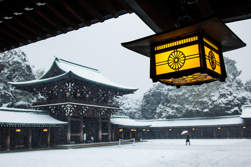 Meji Jingu Shrine in snow.