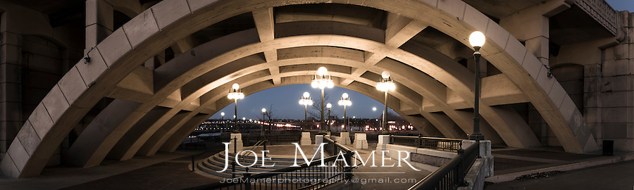 Robert's Street Bridge arch in Saint Paul, Minnesota.