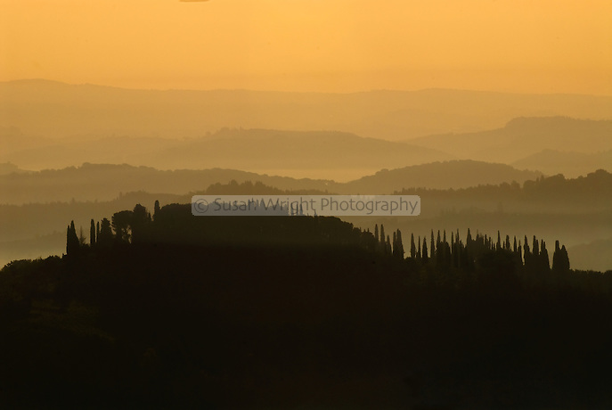 Sunrise over the Tuscan hills, Tuscany, Italy Sunrise over the Tuscan hills, Tuscany, Italy