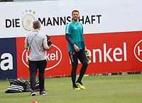 Torwart Manuel Neuer (Deutschland Germany) wieder der Erste beim Training - 29.05.2018: Training der Deutschen Nationalmannschaft gegen die U20 zur WM-Vorbereitung in der Sportzone Rungg in Eppan/Südtirol