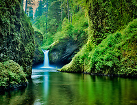 Punchbowl Falls, Columbia River Gorge, Oregon.