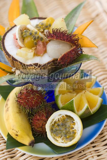 Afrique/Afrique de l'Est/Tanzanie/Zanzibar/Ile Unguja/Kiwenga: Assiette de fruits exotiques de Jörg Lehmann chef de l'Hotel Zamani Zanzibar Kempinski