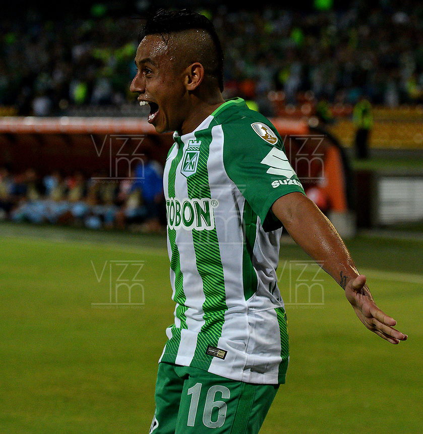 MEDELLIN - COLOMBIA - 25 - 05 - 2017: Vladimir Hernandez, jugador de Atlético Nacional, celebra el gol anotado a Bolívar, durante partido de la de la fase de grupos, grupo B, fecha 4, entre Atlético Nacional y Bolívar (BOL), por la Copa Conmebol Libertadores 2018, en el Estadio Atanasio Girardot, de la ciudad de Medellín. / Vladimir Hernandez, player of Atletico Nacional, celebrates the goal scored against Bolivar, during a match for the group stage, group B of the 4th date, between Atletico Nacional (COL) and Bolivar (BOL), for the Conmebol Libertadores Cup 2018, at the Atanasio Girardot, Stadium, in Medellin city. Photo: VizzorImage / Leon Monsalve / Cont.