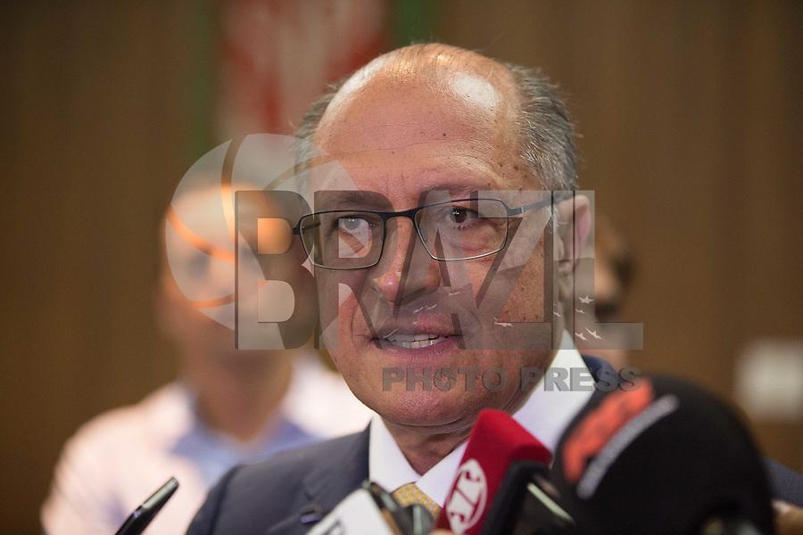 SÃO PAULO, SP, 24.11.2015 - ALCKMIN-COLETIVA. O Governador de São Paulo Geraldo Alckmin durante coletiva de imprensa no Palácio dos Bandeirantes, na tarde desta terça-feira, 24. (Foto: Adriana Spaca/Brazil Photo Press)