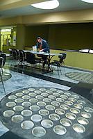 Vercelli, capitale europea della produzione del  riso (tre milioni di quintali per anno), dal 1974 è la sede della Borsa Merci, dove tutte le settimane, al martedi e venerdi, viene definito il prezzo delle varie qualità di riso. Nel laboratorio della Borsa viene calcolata l'effettiva resa delle differenti qualità..La borsa del riso si trova all'interno del Palazzo della Casa dell'Agricoltore, classico esempio di architettura del periodo fascista.