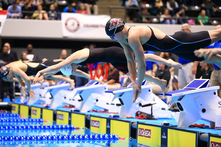 The University of Minnesota women's swimming and diving team compete at the 2017 NCAA National Swimming and Diving Championships in Indianapolis, IN. March 17, 2017<br /> (Photo by Walt Middleton Photography 2017)