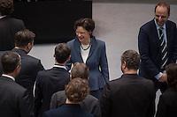 """Abgeordnetenhaussitzung am 28. Januar 2016 in Berlin.<br /> Im Bild: Die Juristin und Bildhauerin Maja Smoltczyk ist zur Datenschutzbeauftragten des Landes Berlin bis 2021 gewaehlt worden und empfaengt die Glueckwuensche der Abgeordneten. Bislang arbeitete sie in der Verwaltung des Berliner Abgeordnetenhauses und leitet dort die Abteilung """"Plenum und Aeltestenrat"""".<br /> 28.1.2016, Berlin<br /> Copyright: Christian-Ditsch.de<br /> [Inhaltsveraendernde Manipulation des Fotos nur nach ausdruecklicher Genehmigung des Fotografen. Vereinbarungen ueber Abtretung von Persoenlichkeitsrechten/Model Release der abgebildeten Person/Personen liegen nicht vor. NO MODEL RELEASE! Nur fuer Redaktionelle Zwecke. Don't publish without copyright Christian-Ditsch.de, Veroeffentlichung nur mit Fotografennennung, sowie gegen Honorar, MwSt. und Beleg. Konto: I N G - D i B a, IBAN DE58500105175400192269, BIC INGDDEFFXXX, Kontakt: post@christian-ditsch.de<br /> Bei der Bearbeitung der Dateiinformationen darf die Urheberkennzeichnung in den EXIF- und  IPTC-Daten nicht entfernt werden, diese sind in digitalen Medien nach §95c UrhG rechtlich geschuetzt. Der Urhebervermerk wird gemaess §13 UrhG verlangt.]"""