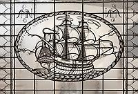 Nederland  Amsterdam - 2017.   Open Monumentendag. Het Scheepvaarthuis -  Grand Hotel Amrath. Het Scheepvaarthuis is ontworpen door J.M van der Mey.  Glas-in-loodraam. Oostindie vaarder.  Foto Berlinda van Dam / Hollandse Hoogte