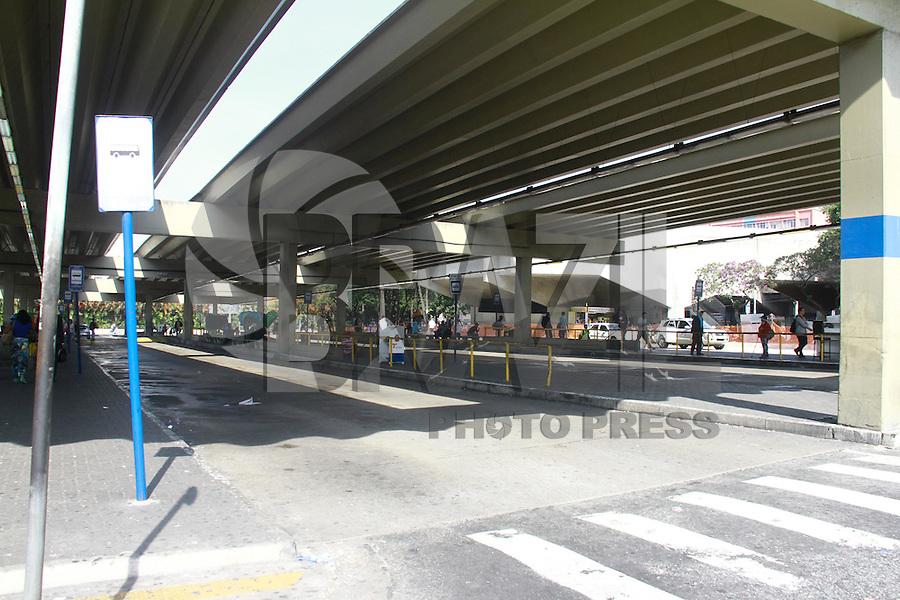 SAO PAULO, SP, 21.05.2014 - GREVE DE ONIBUS - TERMINAL SANTANA - Terminal Santana vazio durante paralizaçao da frota de onibus da cidade de São Paulo, na regiao norte da cidade , na manha desta quarta-feira, 21. (Foto: Andre Hanni /Brazil Photo Press).