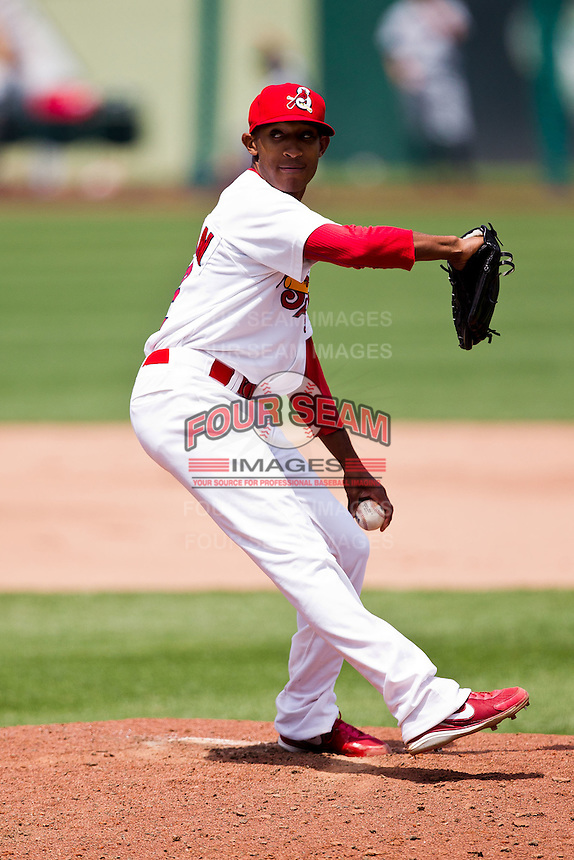 Sam Freeman (12) of the Springfield Cardinals delivers a pitch during a game against the Arkansas Travelers at Hammons Field on May 8, 2012 in Springfield, Missouri. (David Welker/ Four Seam Images)
