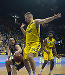 10.05.2019, EWE Arena, Oldenburg, GER, easy Credit-BBL, EWE Baskets Oldenburg vs Mitteldeutscher BC, im Bild<br /> Jovan NOVAK (Mitteldeutscher BC #20 ) Rashid MAHALBASIC (EWE Baskets Oldenburg #24 )<br /> <br /> Foto © nordphoto / Rojahn