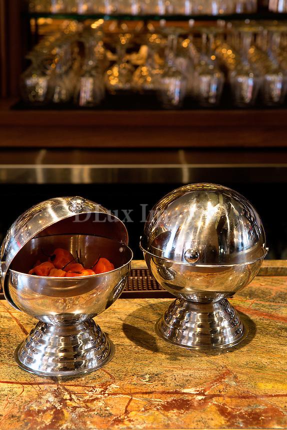 inox bowls Sant Ambroeus Soho