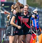 AMSTELVEEN - Sosha Benninga (A'dam) heeft gescoord en viert het met Charlotte Vega (A'dam) en Marijn Veen (A'dam)  tijdens de hoofdklasse competitiewedstrijd hockey dames,  Amsterdam-Oranje Rood (5-2). COPYRIGHT KOEN SUYK