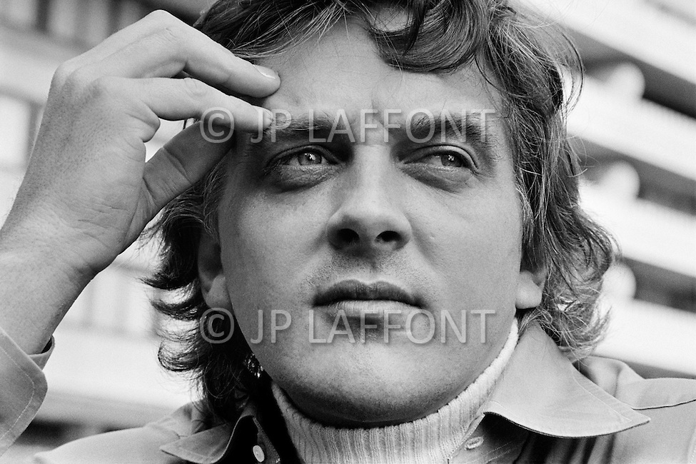 Washington, DC, USA. June 4th, 1972. English actor, director and producer, David Hemmings on the set of Scorpio, in the grounds of the Watergate building. His wife Gayle Hunnicutt has a role in the Michael Winner directed film. Hemmings is also the co-founder with John Daly of the HemDale Corporation (1967).