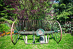 Brusy-Jaglie (woj. pomorskie) 09.07.2011. Pracownia, ogród, ekspozycja prac artysty ludowego Józefa Chełmowskiego (zm. 6 lipca 2013).