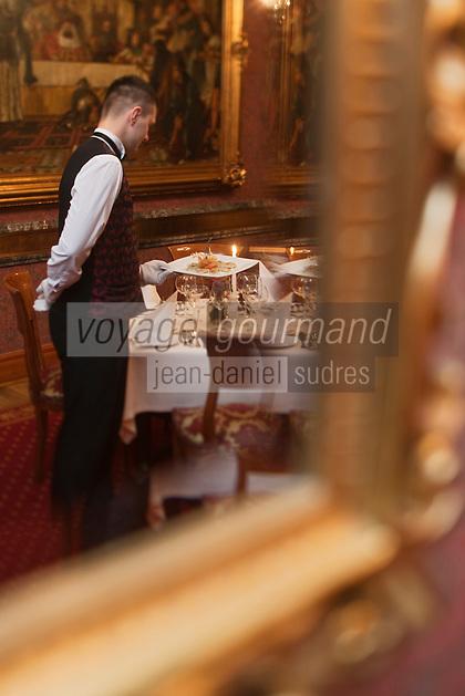 Europe/Voïvodie de Petite-Pologne/Cracovie:  au restaurant: Wierzynek