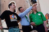 Verona: Umberto Bossi con Matteo Salvini e Flavio Tosi durante la manifestazione organizzata dalla Lega Nord per protestare contro l'IMU la tassa sulla casa introdotta dal Governo Monti.