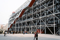 Renzo Piano and Richard Rogers: Centre Pompidou, Paris. Plaza, escalator. West elevation.