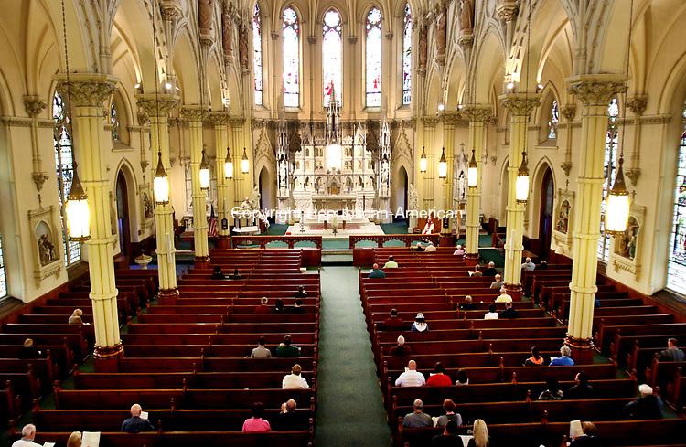 WATERBURY CT. 06 May 2017-050617SV12-Parishioners participate during 4 o&rsquo;clock mass at St Patrick's Church in Waterbury Saturday.<br /> Steven Valenti Republican-American