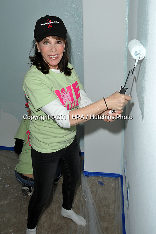 LOS ANGELES - MAY 14:  Kate Linder at the Habitat for Humanity Women's Empowerment Build at Carl Street on May 14, 2011 in Pacoima, CA