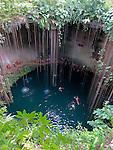 Cenote Ik Kil, Mexico