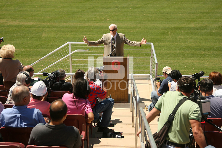 22 August 2006: Members of the media gather at a press conference at the new Stanford Stadium in Stanford, CA to introduce new concessions menus and provide a sneak peak at the venue. Bill Walsh addresses the press.