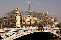 Pont Alexandre III, 1896-1900 for World Expo 1900 to commemorate the French-Russian Alliance of 1892, by the architects J. Cassine-Bernard and G. Cousin and engineers A. Alby and J. Resal, Grand Palais in the distance, 1897-1900 for World Expo 1900, by the architects Henri-Adolphe-Auguste Deglane, Louis-Albert Louvet, Albert-Félix-Théophile Thomas and Charles-Louis Girault, 8th arrondissement, Paris, France Picture by Manuel Cohen