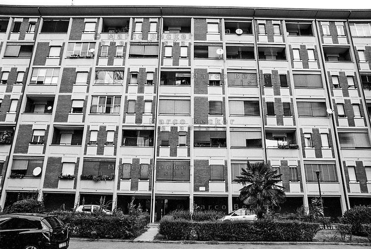 Milano, quartiere Quarto Oggiaro, periferia nord. Via Longarone --- Milan, Quarto Oggiaro district, north periphery