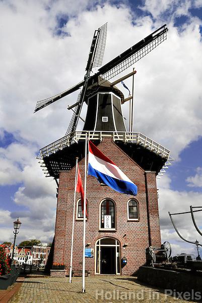 Molen de Adriaan  in Haarlem