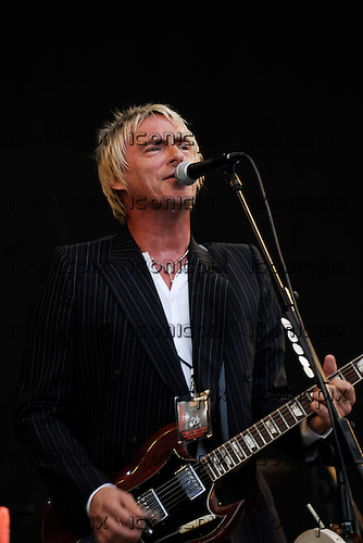 Paul Weller - performing live on Day Two on the Pyramid Stage at the Glastonbury Festival 2007 held at Pilton Farm Somerset UK - 23 Jun 2007.  Photo Credit: George Chin / IconicPix