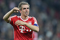 25.05.2013, Wembley Stadion, London, ENG, UEFA Champions League, FC Bayern Muenchen vs Borussia Dortmund, Finale, im Bild Philipp LAHM (FC Bayern Muenchen - 21) jubelt nach dem Sieg im Champions League Finale mit 2-1 gegen Borussia Dortmund // during the UEFA Champions League final match between FC Bayern Munich and Borussia Dortmund at the Wembley Stadion, London, United Kingdom on 2013/05/25. EXPA Pictures © 2013, PhotoCredit: EXPA/ Eibner/ Gerry Schmit<br /> <br /> ***** ATTENTION - OUT OF GER ***** <br /> 25/5/2013 Wembley<br /> Football 2012/2013 Champions League<br /> Finale <br /> Borussia Dortmund Vs Bayern Monaco <br /> Foto Insidefoto