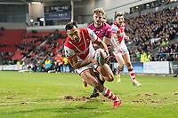 Picture by Allan McKenzie/SWpix.com - 06/04/2018 - Rugby League - Betfred Super League - St Helens v Hull FC - The Totally Wicked Stadium, Langtree Park, St Helens, England - St Helens's Zeb Taia scores a try against Hull FC.